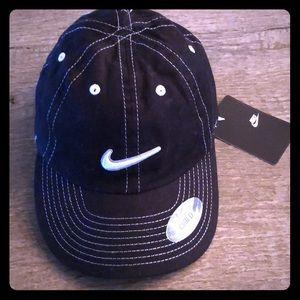 Nike Childs black Cotten adj Velcro ball cap